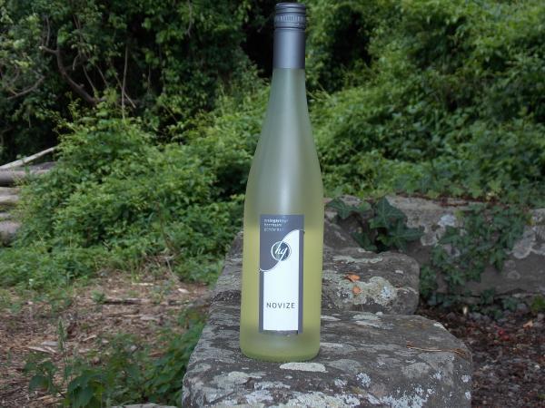 """""""Novize"""" Weißwein-Cuvée lieblich 2012"""