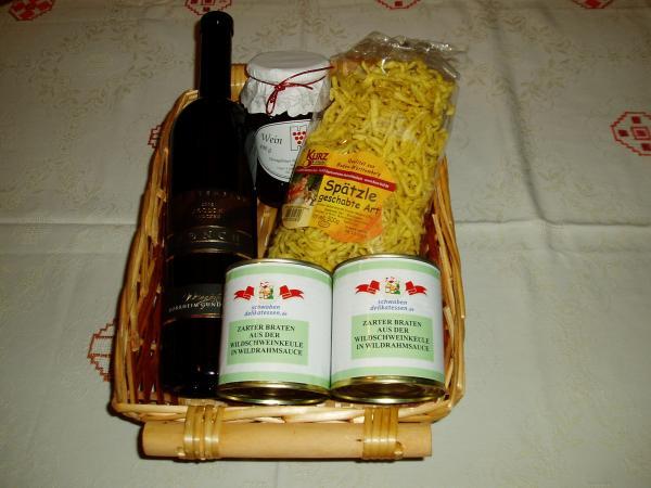 Geschenkkorb Wein und Wild